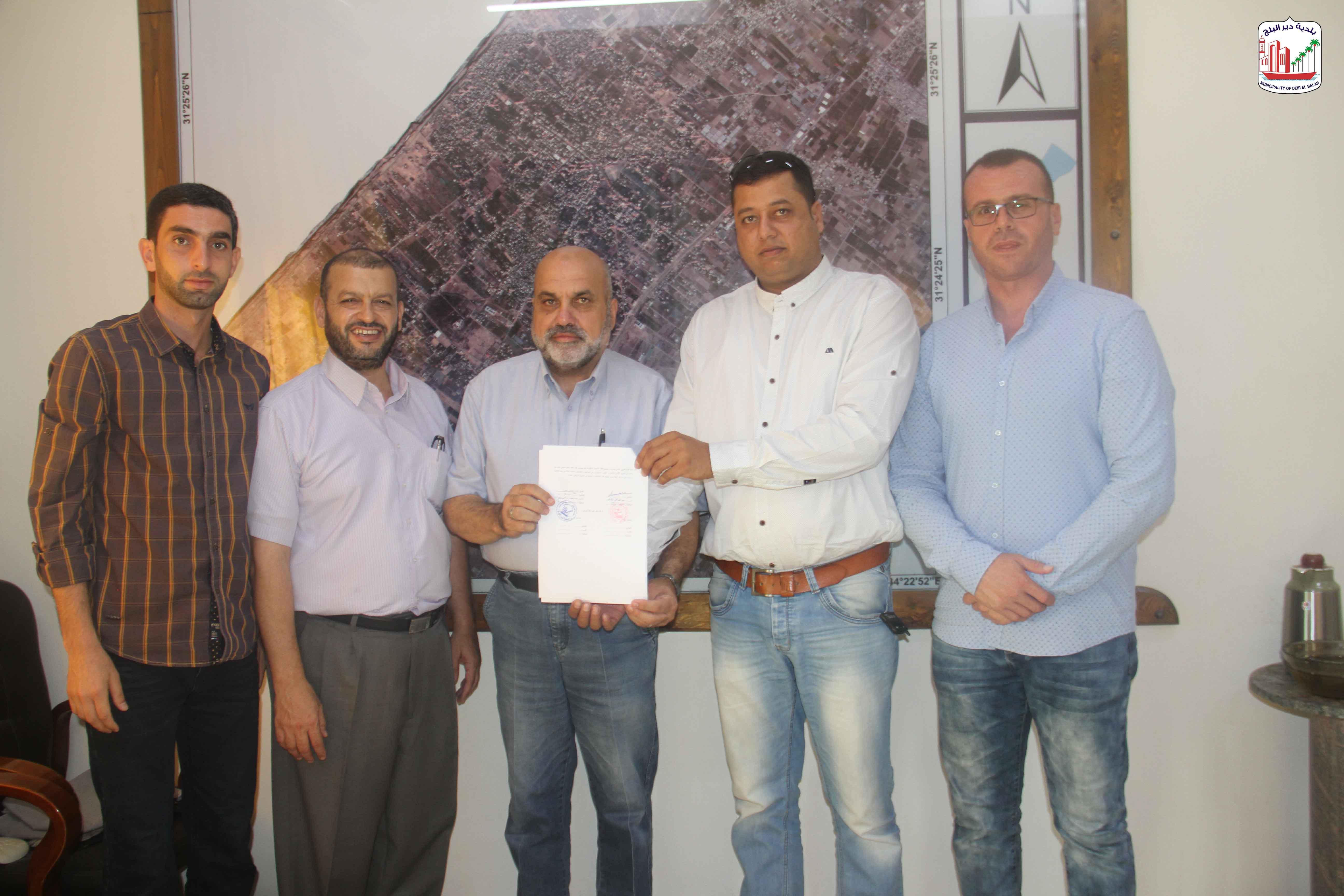 توقيع عقد مشروع تطوير شارع النخل