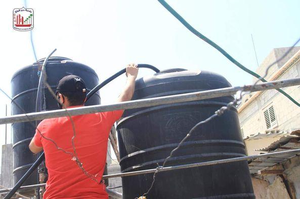 توفير خزان مياه سعة 500 لتر لتعبئة المياه للمواطنين بالمعسكر