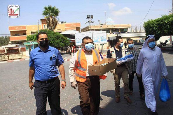 البلدية ولجنة الزكاة خلال جولة ميدانية على مستشفى الاقصى وتقديم الشكر لهم