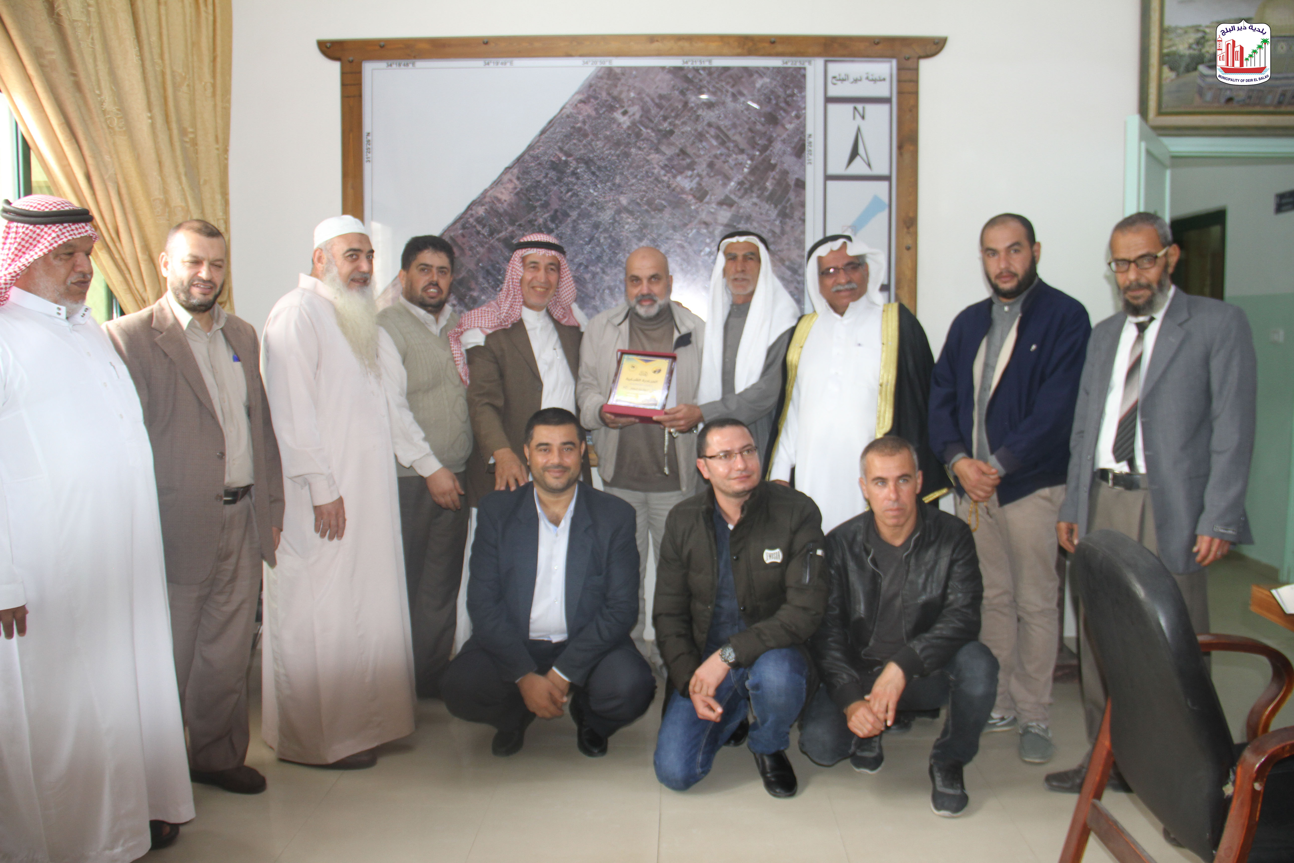 البلدية تستقبل وفد من المبادرة الشبابية- دير البلح