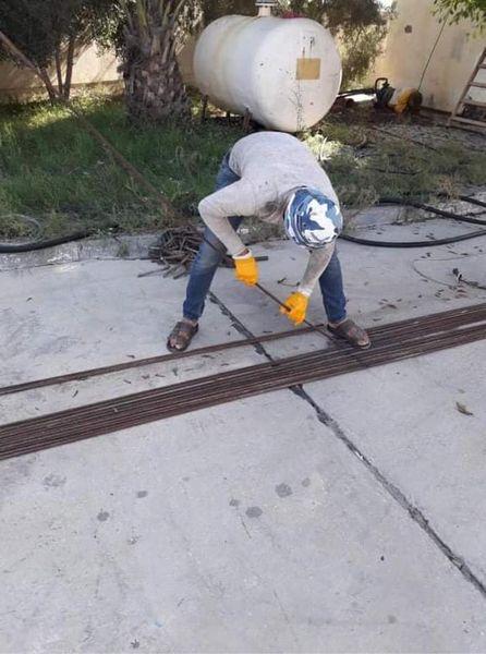 جانب من أعمال صيانة مضخة البصة