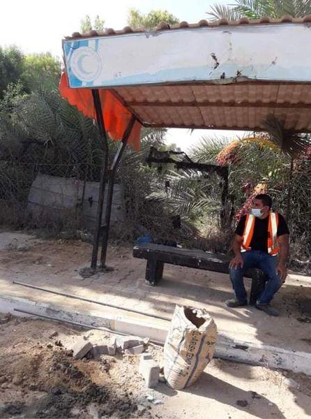 تركيب محطة انتظار عند تقاطع شارع المزرعة بشارع صلاح الدين