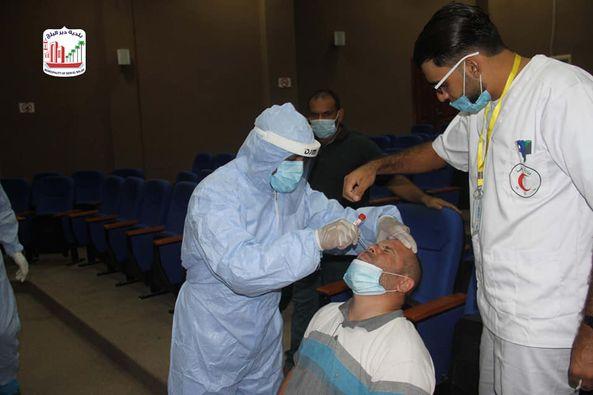 اخذ عينات لموظفي البلدية ضمن اجراءات السلامة لمنع انتشار فيروس كورونا