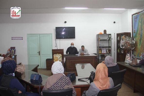 بلدية دير البلح خلال استضافتها لورشة عمل حول التوعية بحقوق أشخاص ذوي الاحتياجات الخاصة.