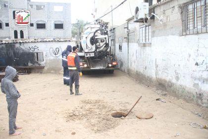 خلال الشهر الماضي: صيانة 427 خط مياه وصرف صحي بمناطق المدينة