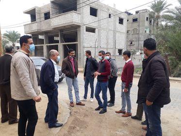 بلدية دير البلح تعقد اجتماعاً تمهيدياً للمقاولين حول مشروع تطوير شارع السلام
