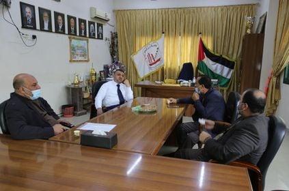 رئيس البلدية يلتقي وفد من جمعية فلسطين لكرة القدم - البتر