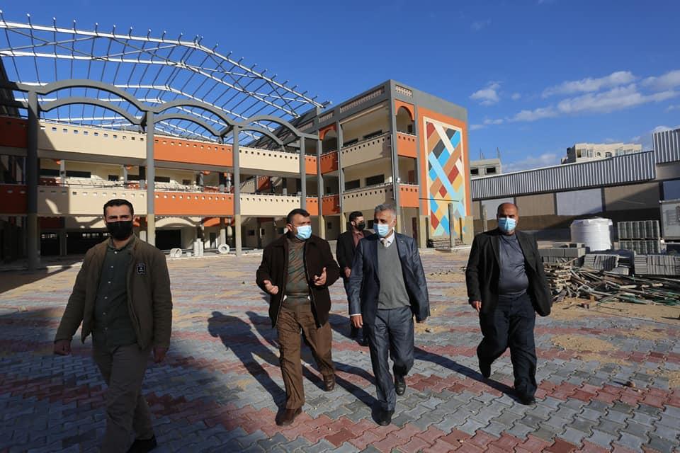 رئيس بلدية دير البلح يطلع رئيس لجنة متابعة العمل الحكومي على سير العمل بالبلدية ومشاريعها التنموية