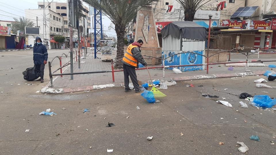 استمرار أعمال النظافة بمناطق المدينة خلال يومي الجمعة والسبت