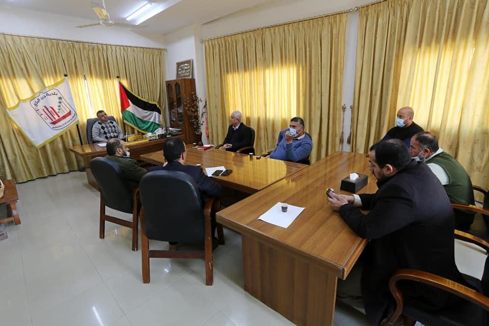 بحث سبل تعزيز التعاون المشترك مع وفد من سلطة المياة الفلسطينية
