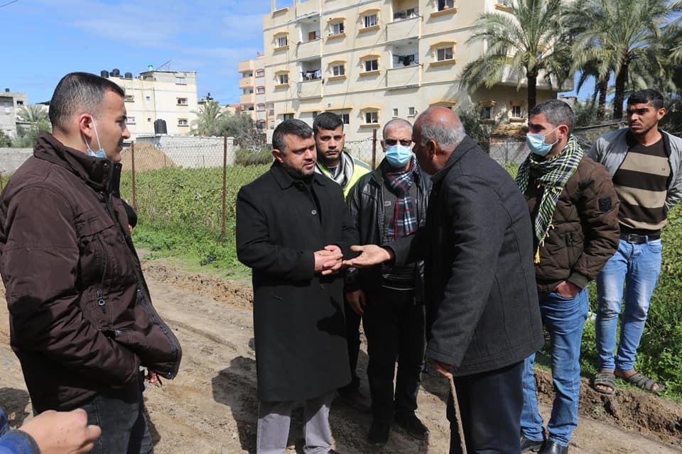 البدء بمشروع إعادة تأهيل شارع السلام بدير البلح