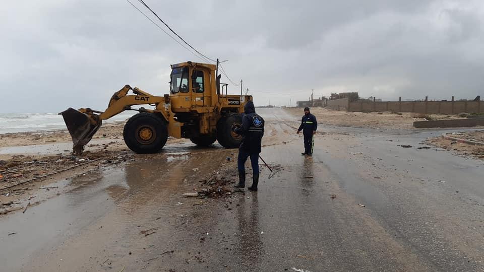 200 طن من النفايات تم جمعها وترحيلها من مناطق دير البلح إلى مجمع صوفا للنفايات الواقع شرق رفح خلال أ