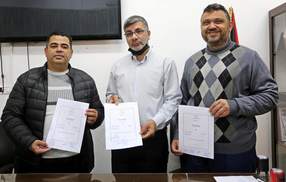 توقيع عقد المرحلة الثانية من إنشاء مبنى نادي اتحاد شباب دير البلح