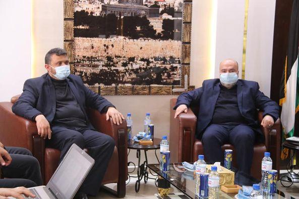 رئيس بلدية دير البلح يبحث عدد من القضايا المشتركة خلال اجتماع رؤساء البلديات