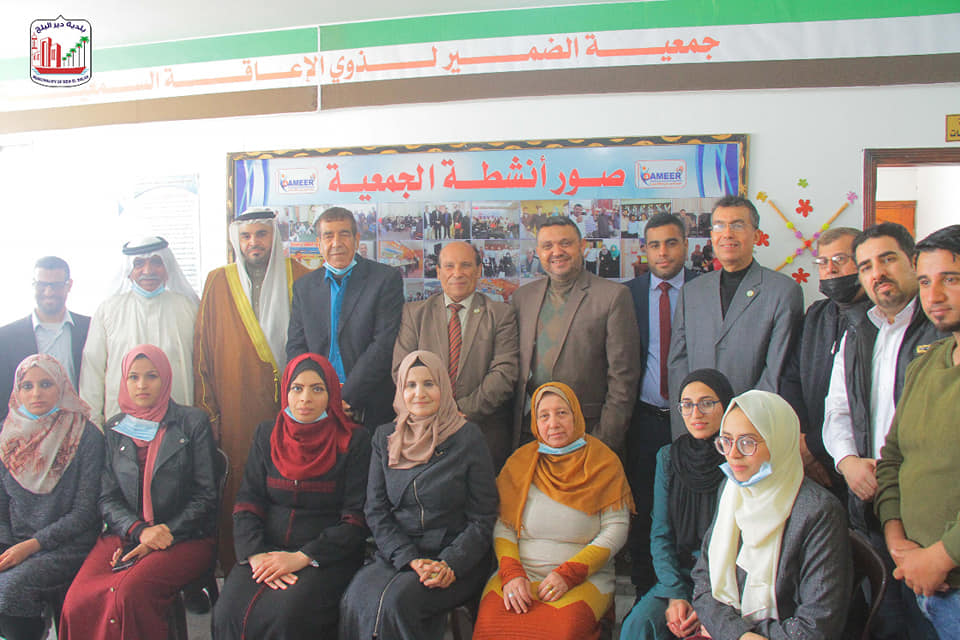 رئيس بلدية دير البلح يشارك في لقاء توقيع الشراكة بين جمعية الضمير لذوي الإعاقة السمعية وأكاديمية إرا