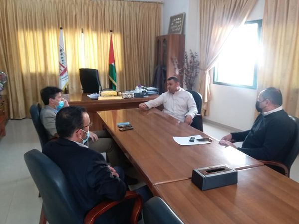رئيس بلدية دير البلح يستقبل مدير عام مصلحة مياه بلديات الساحل