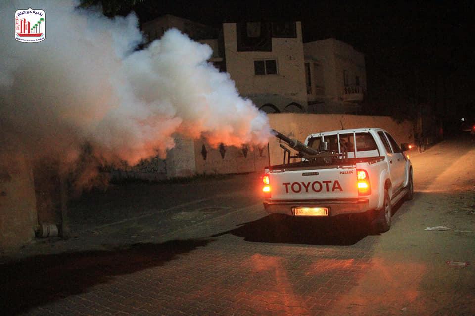 بلدية دير البلح: مكافحة حشرة البعوض باستخدام جهاز الفوجر