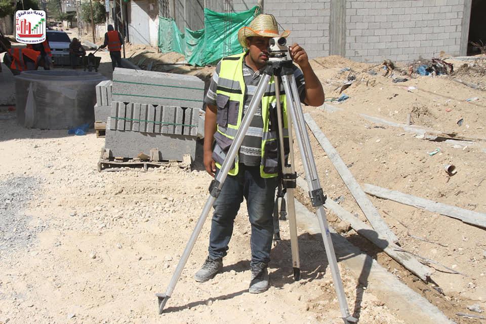استمرار العمل في مشروع إعادة تأهيل شارع السلامة بنسبة إنجاز 60%