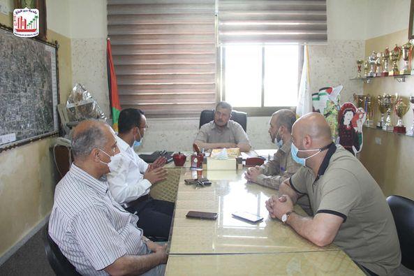 بلدية دير البلح تبحث حفر آبار جديدة بالمدينة