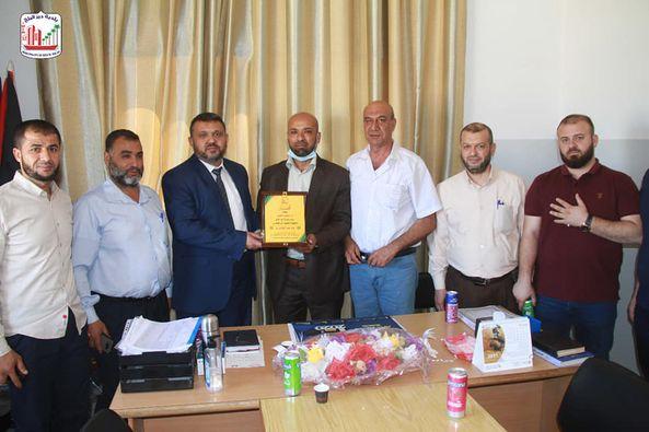 رئيس بلدية دير البلح يزور مدير مكتب العمل ومدير مديرية الزراعة للتهنئة بالمنصب الجديد