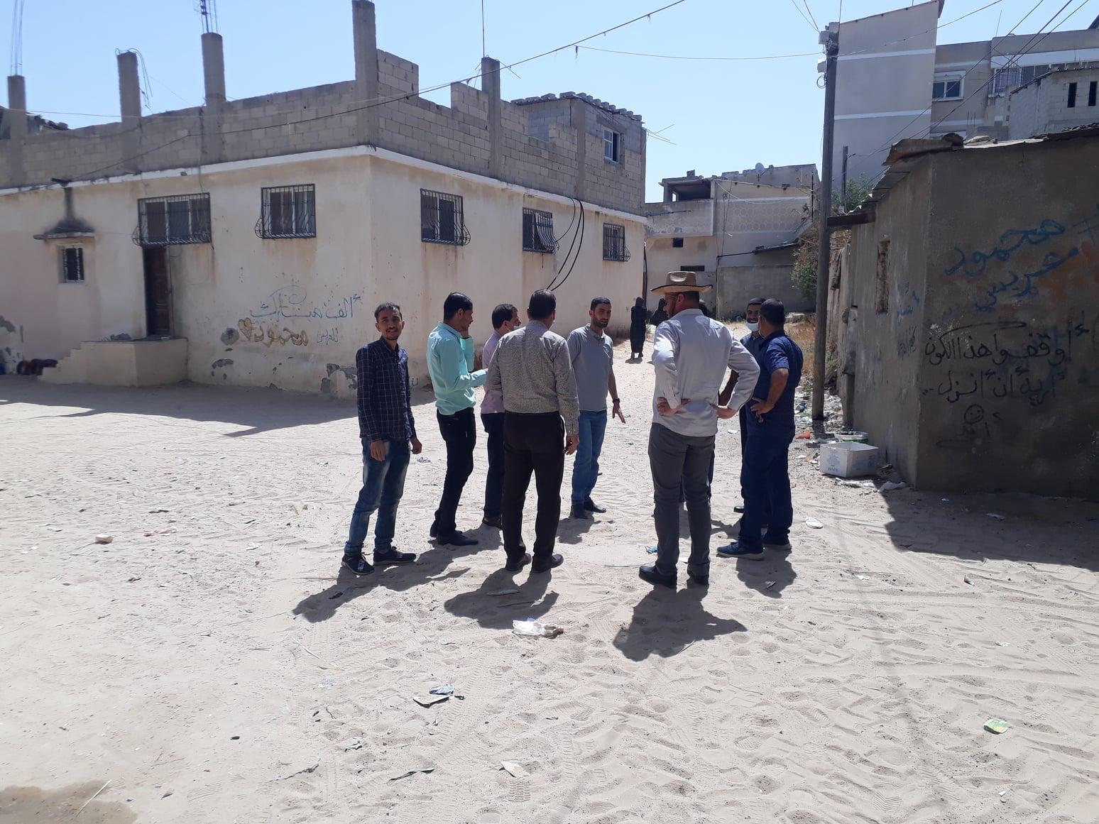 بلدية دير البلح تعقد اجتماعاً تمهيدياً للمقاولين لمشروع تبليط شوارع متفرقة بدير البلح