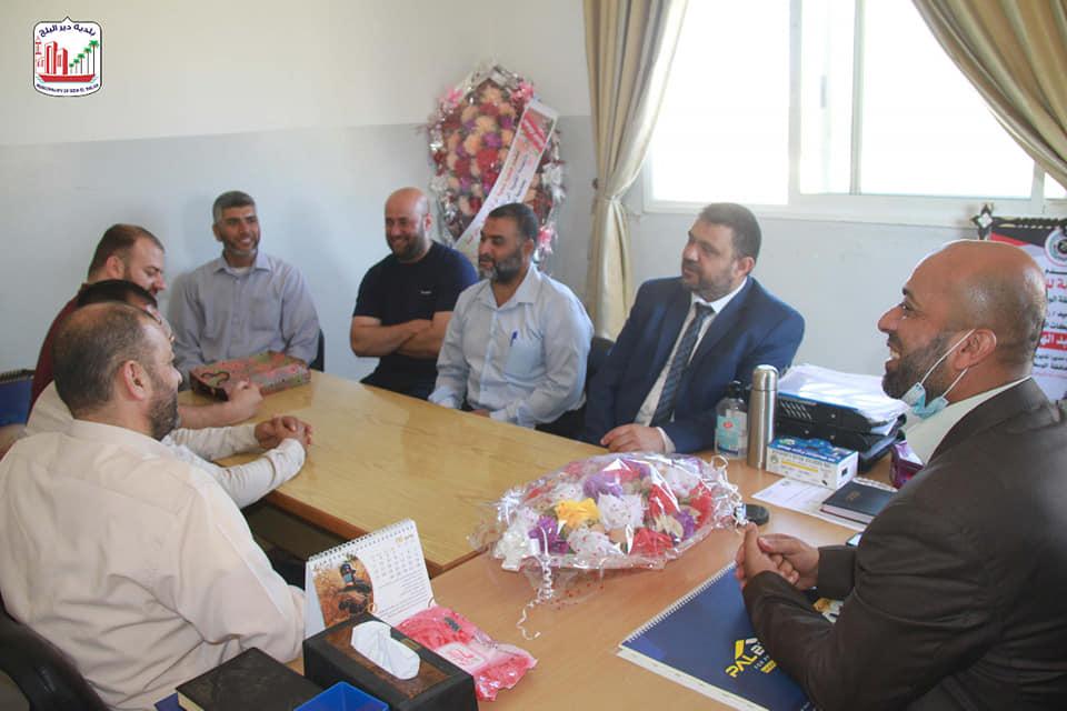 بلدية دير البلح تعبر عن تقديرها لجهود المؤسسات العاملة خلال معركة سيف القدس