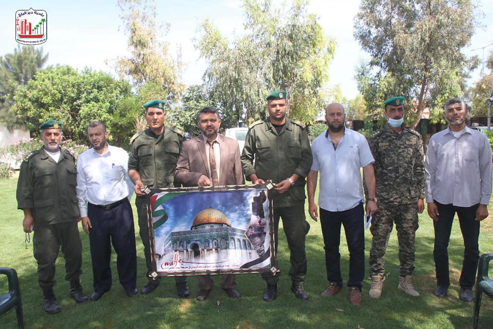 رئيس بلدية دير البلح دياب الجرو يزور مقر قوات الأمن الوطني