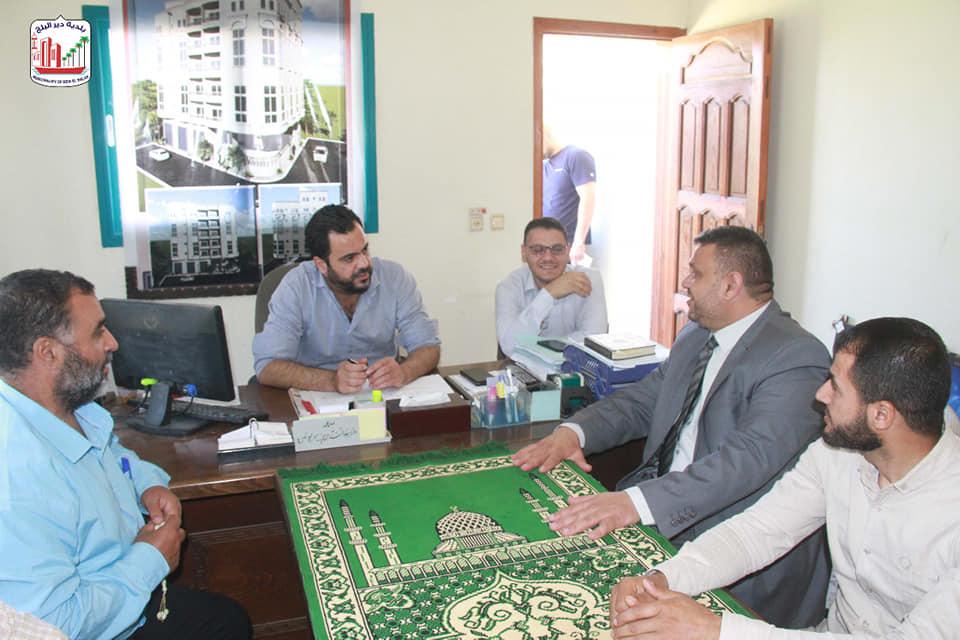 بلدية دير البلح تختتم زياراتها للمؤسسات الحكومية ضمن حملة