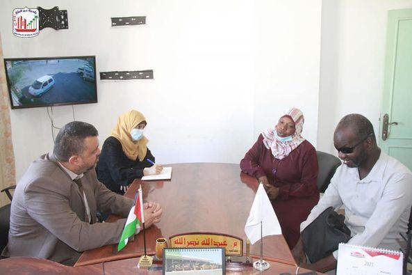 بلدية دير البلح تستقبل وفد من جمعية نور السلام للعمل الإنساني الاجتماعي