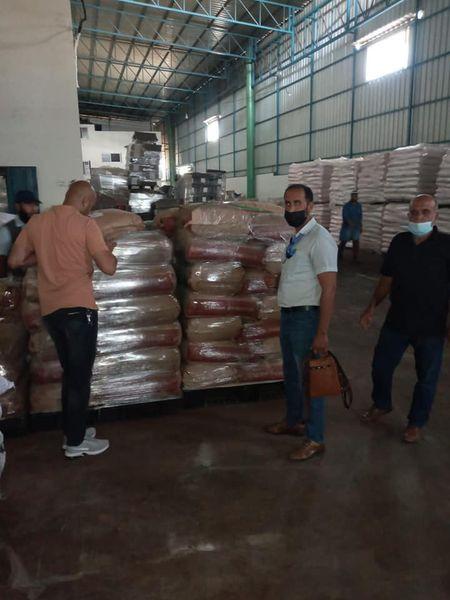 بلدية دير البلح تنفذ جولة ميدانية لمصنع التلباني بالتعاون مع وزارة الاقتصاد والتموين