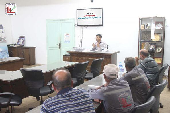 بلدية دير البلح تنتهي من خطة عمل النظافة خلال أيام العيد
