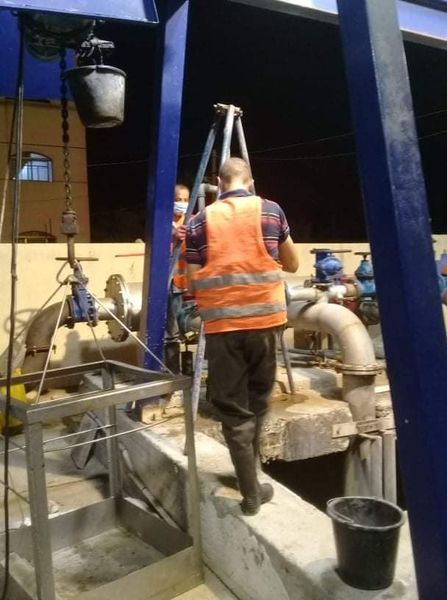 البدء بمشروع صيانة محطات ضخ الصرف الصحي بدير البلح