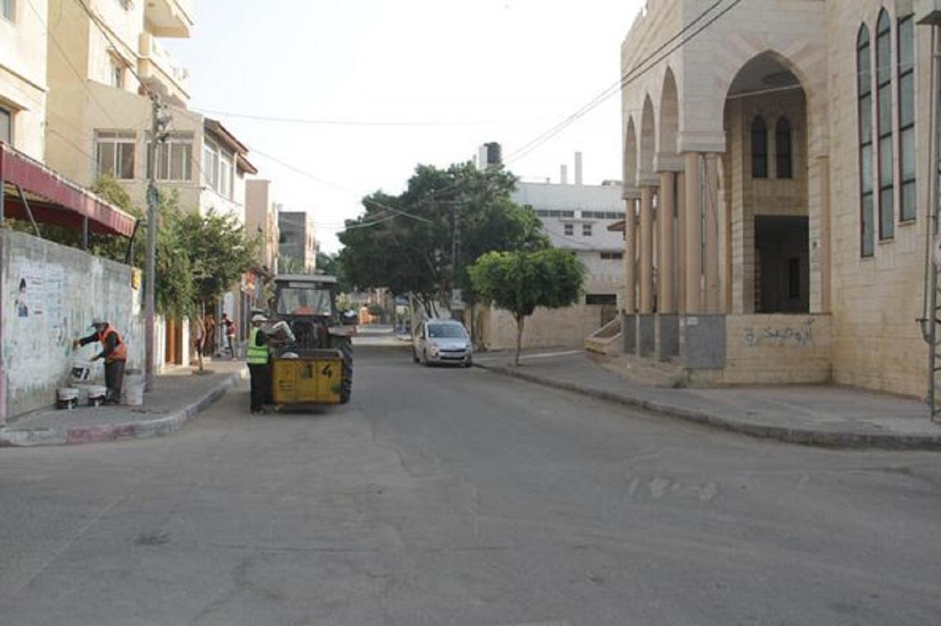 بلدية دير البلح: مستمرون في تقديم خدماتنا الأساسية رغم شح الموارد والإمكانيات