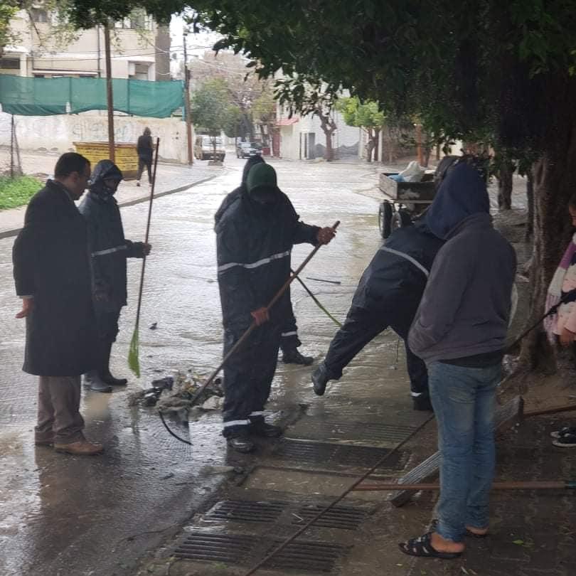 منذ بدء المنخفض الجوي: بلدية دير البلح تتلقى 245 إشارة وشكوى والتعامل معها بالشكل المطلوب