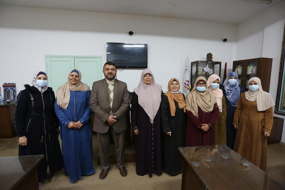 بلدية دير البلح تكرم موظفاتها في اليوم العالمي للمرأة