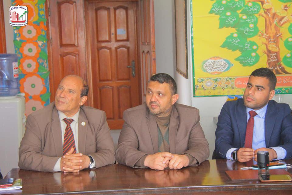 رئيس بلدية دير البلح يشارك في لقاء توقيع الشراكة بين جمعية الضمير لذوي الإعاقة السمعية وأكاديمية إرادة الدولية