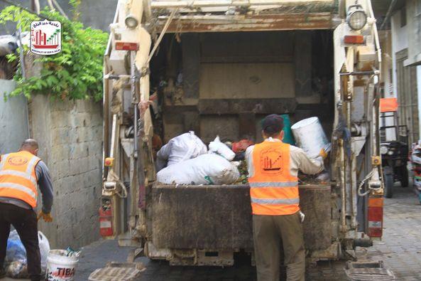 استمرار أعمال النظافة بالمدينة